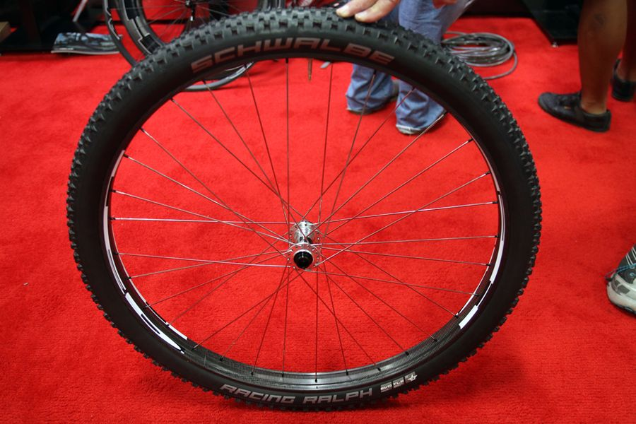 http://www.test.rowery650b.eu/images/stories/news/kola/HED/Hed-carbon-fat-bike-29-aluminum-rim-wheels-3.jpg